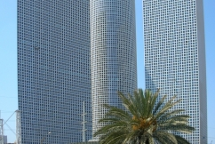 Azrieli_Towers_Sept.2007